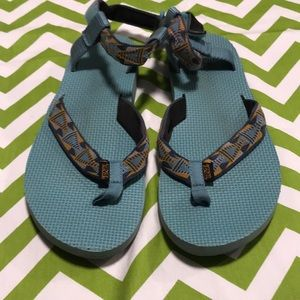 Women's Teva thong sandals size 10